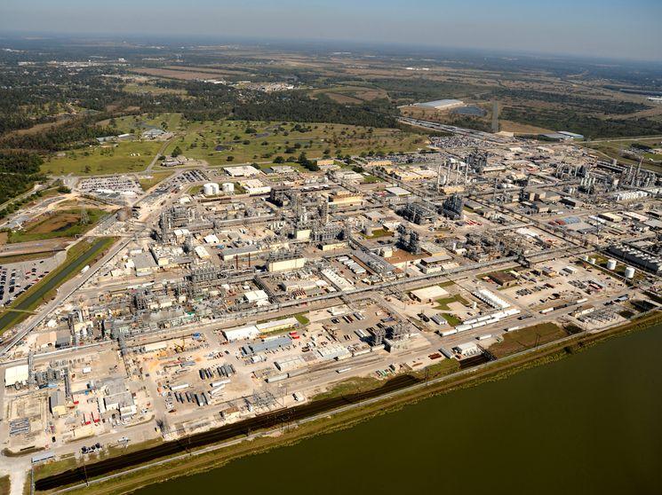 DuPont повышает цены на диоксид титана